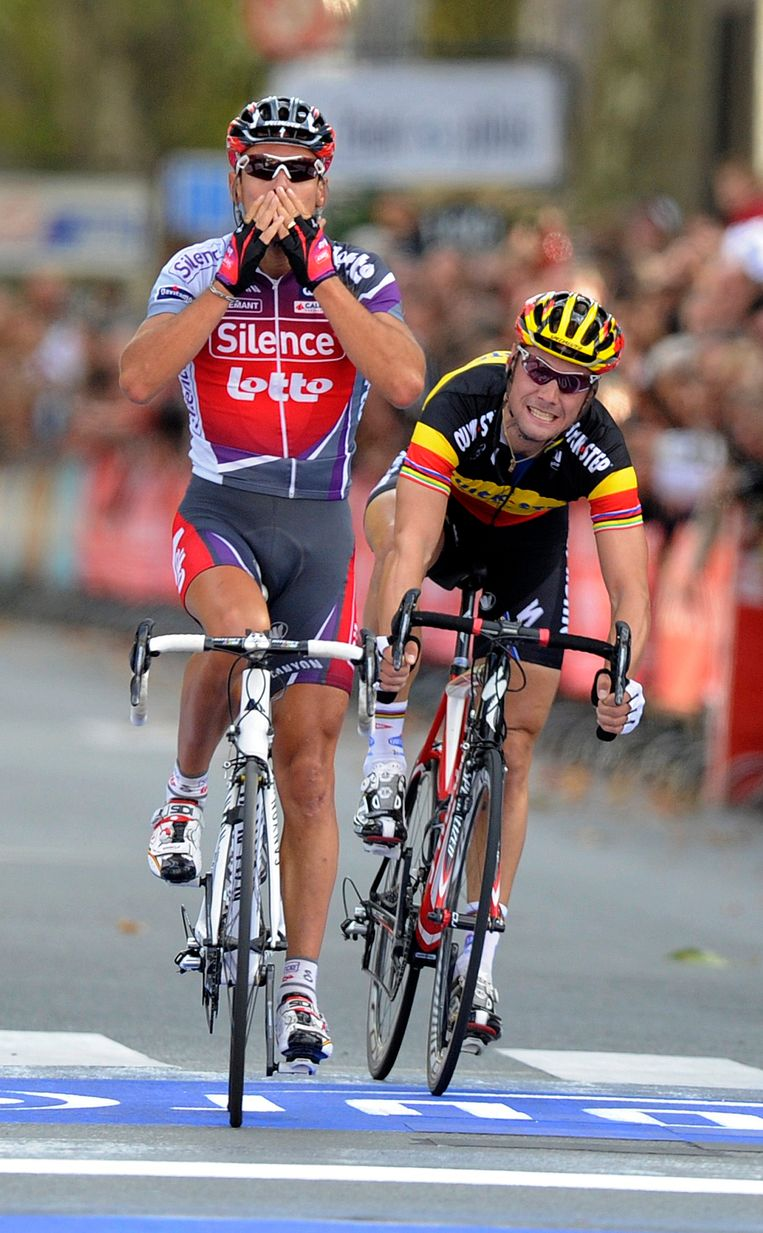 Philippe Gilbert won Parijs-Tours in 2009 na een spurt met Tom Boonen.