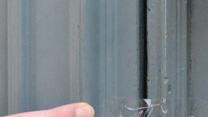 Politie waarschuwt voor inbrekers die deuren afplakken