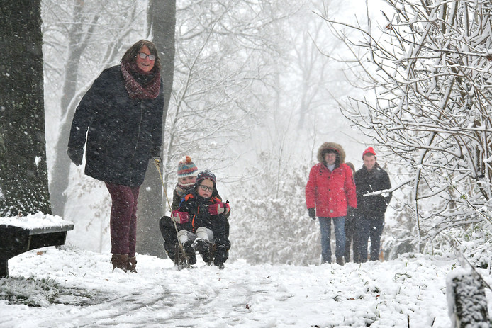 Sneeuwpret in Oldenzaal