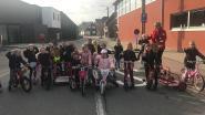 Ginsteschool gebruikt straat als speelplaats op Dikketruiendag
