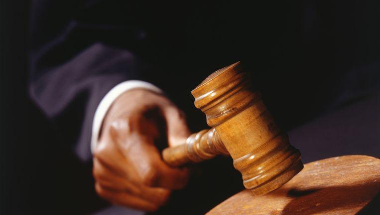 Advocaten hebben straks minder tijd om dossiers te bestuderen, de verdediging met hun cliënt voor te bereiden of politieverhoren bij te wonen, waarschuwen de advocaten Beeld thinkstock
