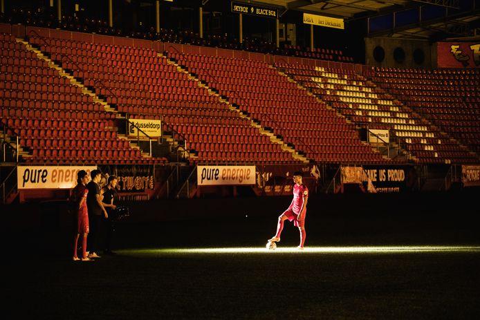 Twee Twente-spelers figureren in de clip