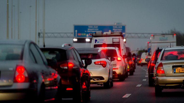 ANWB: 'Reis tijdens ov-staking vooral samen in auto'