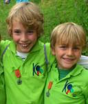 De broertjes Rubin en Julian op een dinsdagavond verspreide foto.