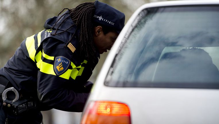 De automoblist is door de politie aangehouden Beeld anp