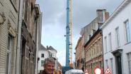 Werfkraan Oude Stadsfeestzaal palmt Merodestraat in, werken in volle gang
