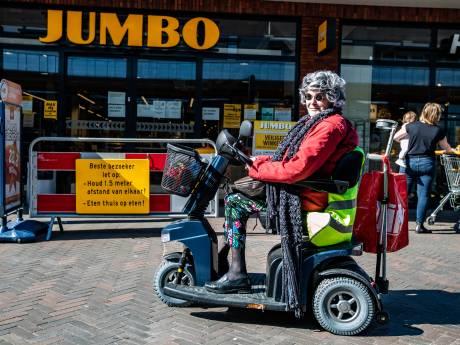 Rini (72) mag alleen tijdens ouderenuurtje in haar scootmobiel naar de Jumbo: 'Hoe weet jij dat ik oud ben?'