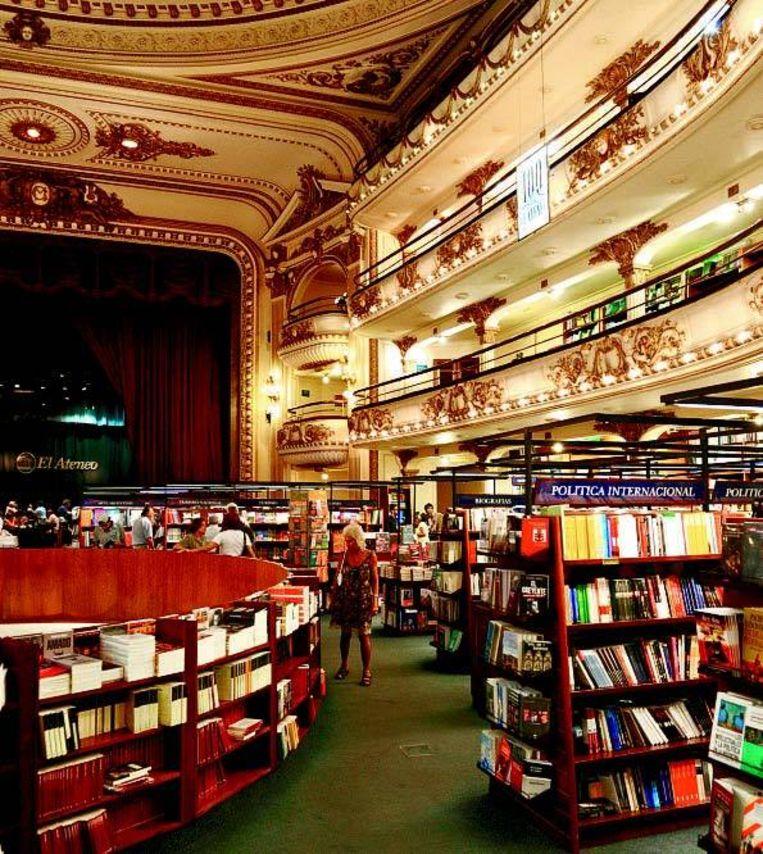 El Ateneo Grand Splendid is een gigantische boekenwinkel in een voormalig theater.