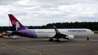 Stewardess sterft aan boord: piloot moet tussenlanding maken