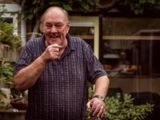 'Microfonist' Henk (75) uit Dalfsen is al 40 jaar enthousiast bij wedstrijden, 'tot de nummer laatst aan toe'