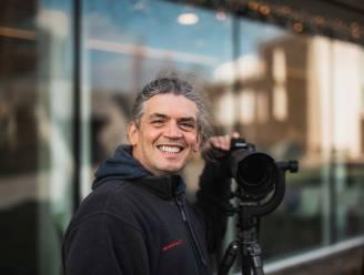 """Truiense kunstenaar Dion Tsekouras fotografeert bewoners van Triamant achter glas: """"Ik wil verbondenheid in moeilijke tijden tastbaar maken"""""""