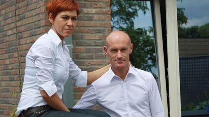 Yves en Heidi bouwen strakke villa met containers