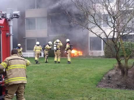 Uitslaande brand bij flat in Ede, bewoonster naar het ziekenhuis