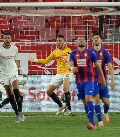 Scorende Ocampos ook als keeper held van Sevilla