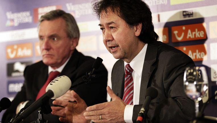 Voormalig voorzitter Joop Munsterman en bestuurslid Aldo van der Laan van FC Twente. De club deed zaken met investeringsmaatschappij Doyen. Beeld null