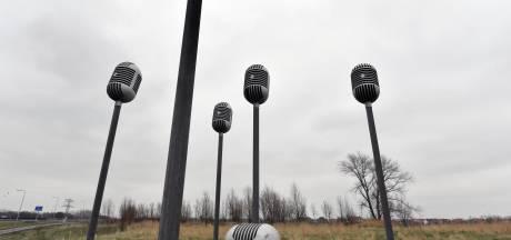 Microfoons keren binnenkort - gerepareerd en wel - terug in de Mortiere