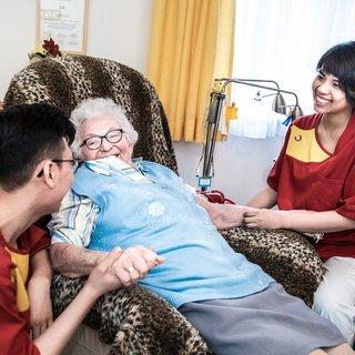 Vietnamese verplegers redden Duitse ouderenzorg: 'Er zijn veel goed opgeleide jongeren in Vietnam'