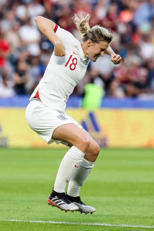 Ellen White viert haar goal.