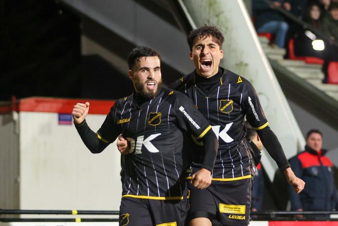 Mounir El Allouchi viert zijn goal.