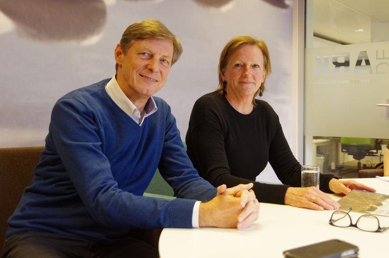 Peter Vanommeslaeghe en Marthe Rombouts van sociale huisvestingsmaatschappij De Ark.