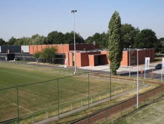 """Stad Poperinge stelt sporthal  2 voor als vaccinatiecentrum: """"Die zaal voldoet aan de meeste criteria"""""""