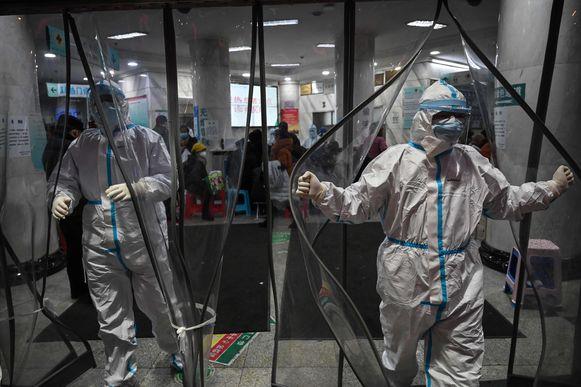 Op 23 januari ging Wuhan zo goed als in volledige lockdown. Dat veranderde de situatie daarna drastisch.