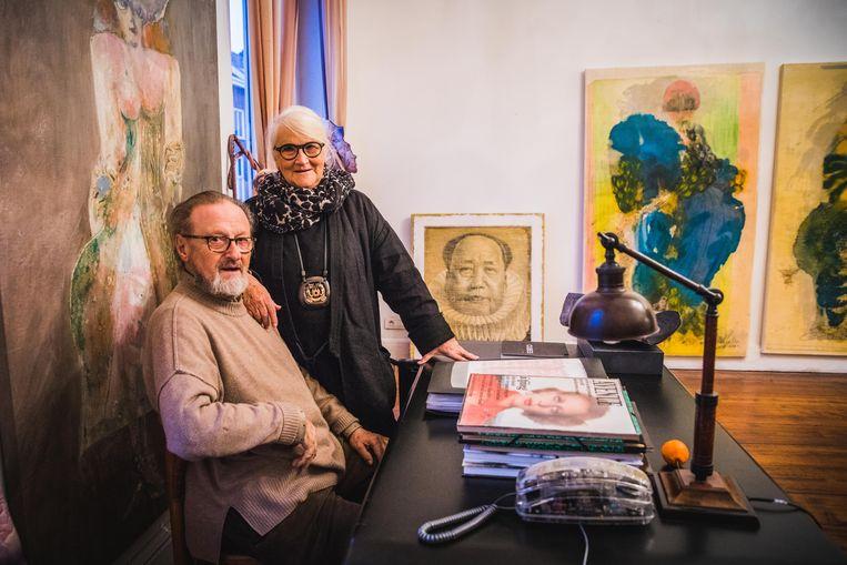 Guido Haudenhuyse en Yvette Lauwert stoppen met hun galerij ArtTrack in de Zuidstationstraat.