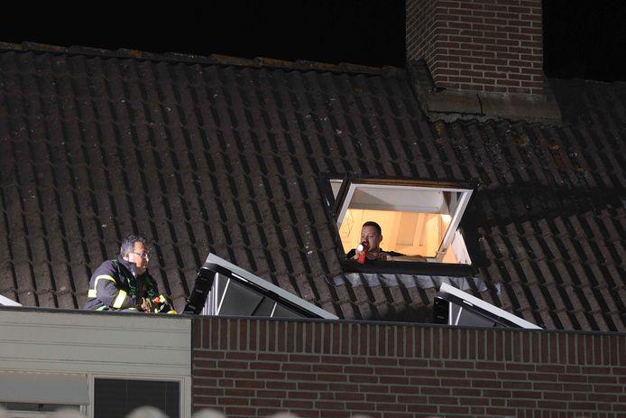 Bedrijvigheid nadat een poesje ontsnapt is uit een huis in Waalwijk.