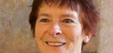 Anne Marie Hol krijgt onderscheiding voor rol bij gemeente Reusel-De Mierden