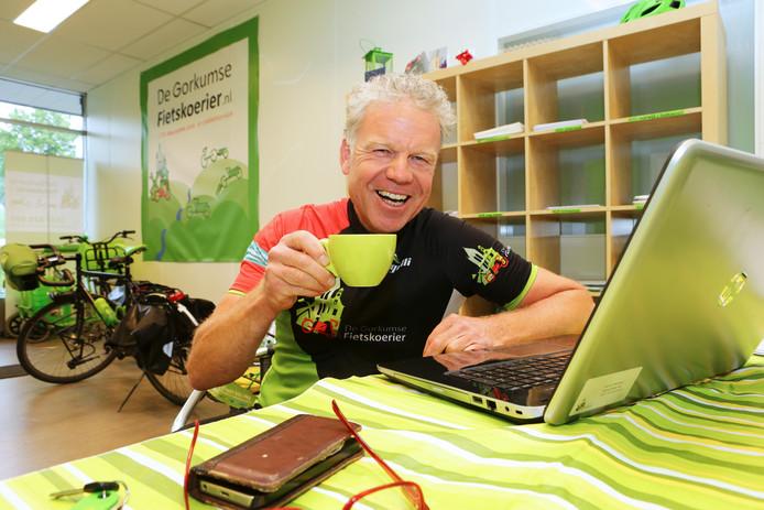 Marcel Herrewijn in zijn nieuwe kantoor aan de Spijksedijk.