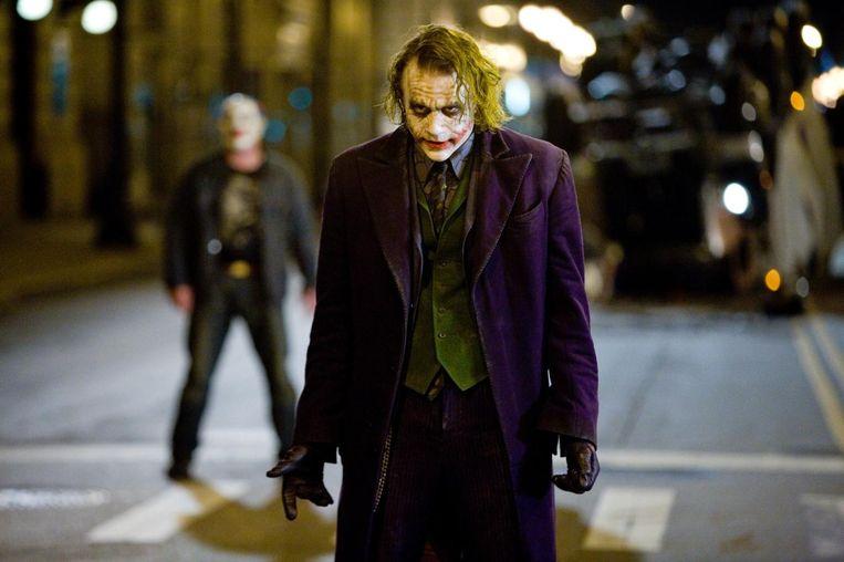 Ledger's The Joker is een onpeilbare, amorele schurk die uit is op het creëren van chaos, en daarin slaagt. Beeld null