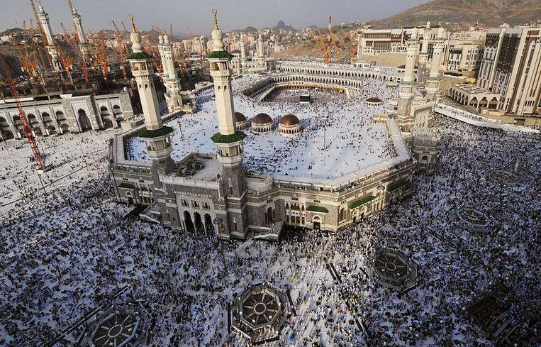 De Grote Moskee in Mekka, maandag. Beeld afp
