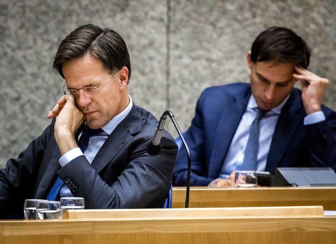Premier Rutte en minister Hoekstra (Financiën) tijdens de tweede dag van de Algemene Politieke Beschouwingen