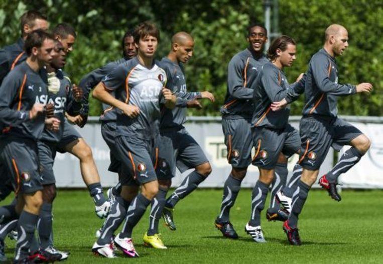 De selectie van Feyenoord woensdag tijdens de trainig met Tim De Cler (R). De training is voorafgaand aan de Europese wedstrijd tegen AA Gent. ANP Beeld