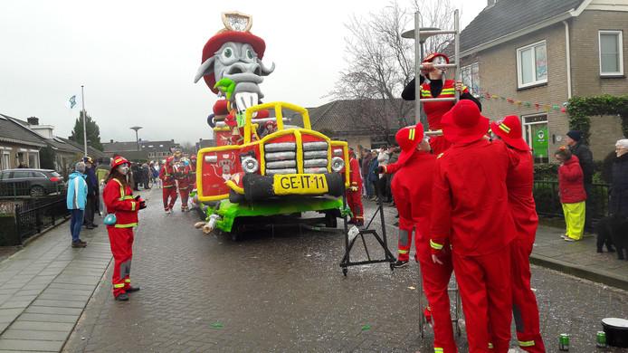 De Wulpse Hertjes in Schaijk in actie: 'Wij zijn van de Brandveiliggeit'