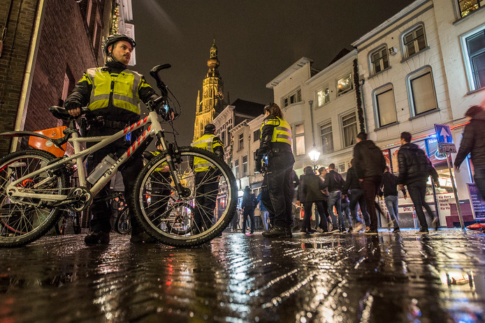 Tijdens stapavonden in Breda treedt de politie tijdens de actiedagen alleen op bij ernstige incidenten.