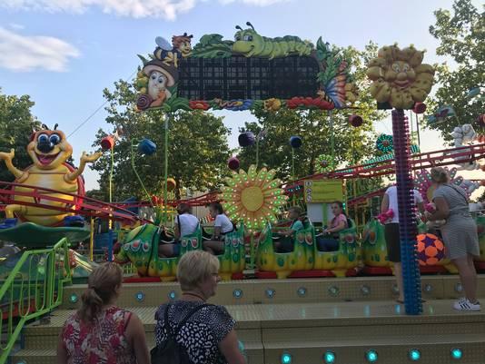 In een hoekje op de Botermarkt fleurt de kinderzaak Bugs & Bees de kermis op.