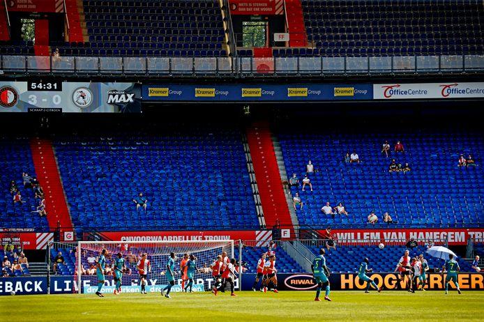 Feyenoord en Sparta oefenden deze zomer in de Kuip tegen elkaar voor 3000 toeschouwers.