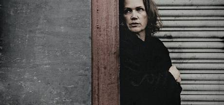 Nieuw album VanWyck is ingetogen en tijdloos werk: zangeres treedt ook op in Eindhoven