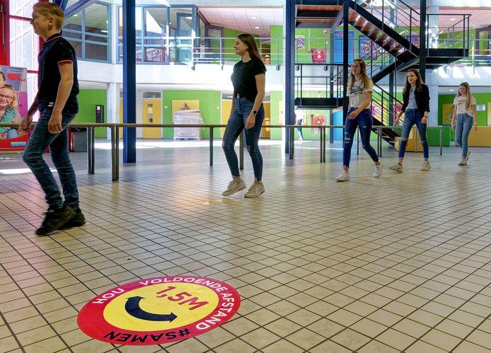 De Overlaat in Waalwijk opende gisteren de deuren weer voor leerlingen.