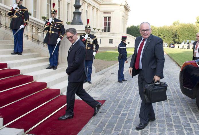 Minister Timmermans komt aan bij de top in Parijs