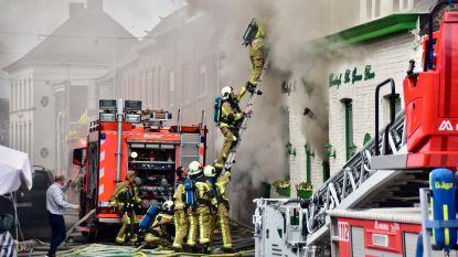 Praatcafé uitgebrand in centrum van Ardooie: zaakvoerder vecht voor zijn leven