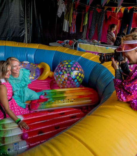 Geen outfit is te gek op kleurrijk Freshtival: 'Iedereen mag hier zijn'