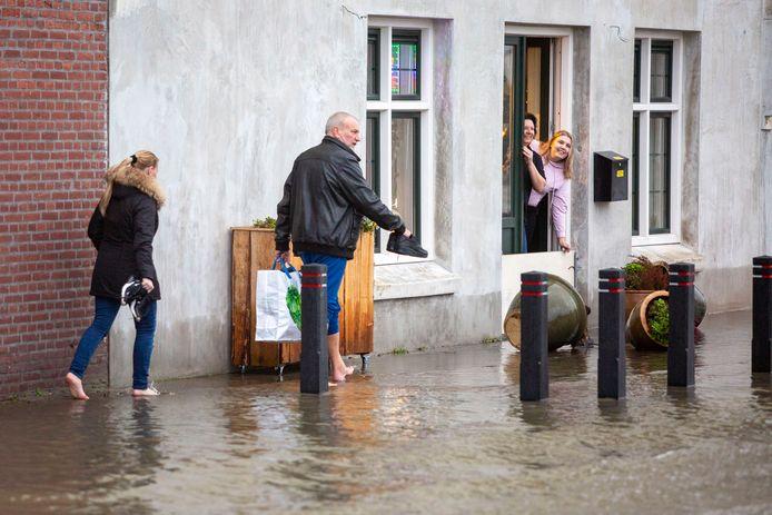 (C) Roel Dijkstra Fotografie/ foto: Marc Heeman  Vlaardingen, Hoogwater in KW-haven