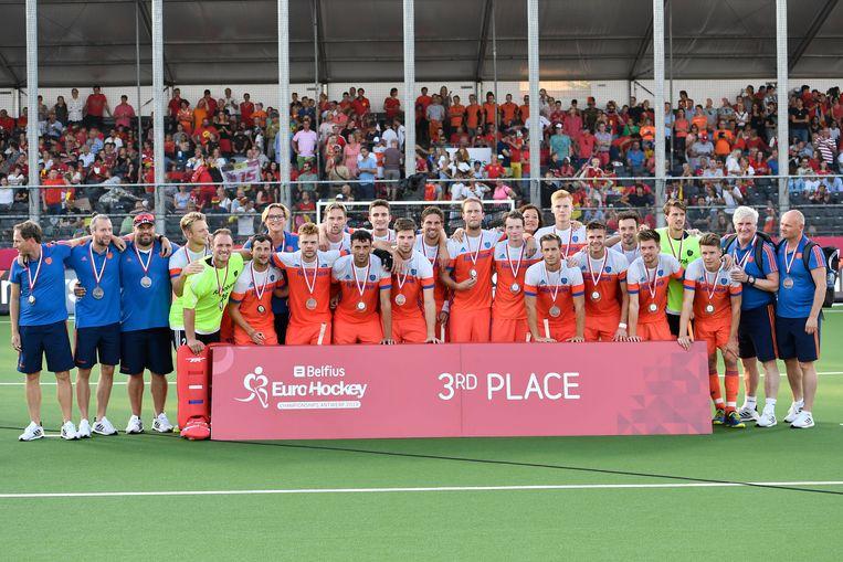 Het Nederlands team viert de derde plek. Beeld BELGA