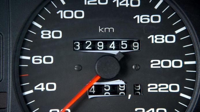 De overheid gaat fraude met kilometertellers strenger aanpakken