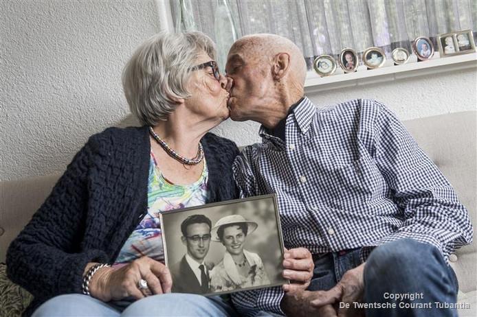 Dine en Jan ten Oever zijn zestig jaar getrouwd.