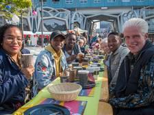 250 mensen schuiven in Nieuwegein aan tafel om samen te brunchen