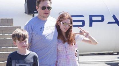 """""""Ik dacht dat het vader met twee kinderen was"""": Twitter maakt zich vrolijk over dit familiekiekje van Elon Musk"""