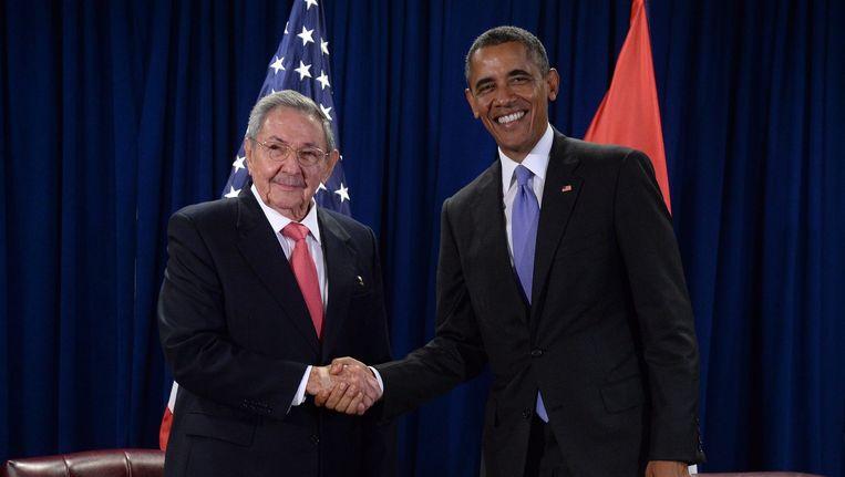 President Barack Obama (rechts) en Raul Castro. Beeld epa